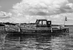 遗弃小船 免版税库存图片