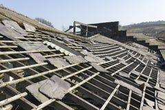 遗弃板岩工厂屋顶 图库摄影