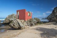 遗弃海滨别墅Bathsheba巴巴多斯 库存图片