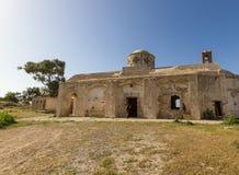 遗弃贴水乔治斯教会在Davlos,塞浦路斯 免版税图库摄影