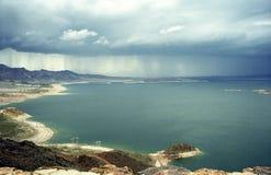遥远的雨风暴 库存图片