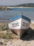 遭到海难的小船 库存照片