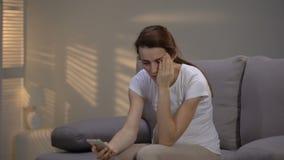 遭受强的头疼的孕妇叫救护车,女性医疗保健 影视素材
