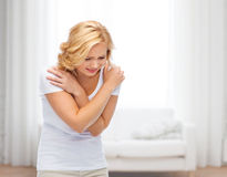 遭受痛苦或暴力的不快乐的妇女 库存图片