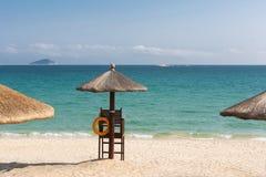 遮光罩在海边 免版税图库摄影