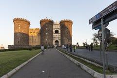 那不勒斯、Castl Nuovo或叫的Maschio Angioino城堡 免版税库存照片
