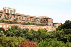 那不勒斯王宫在意大利 免版税库存照片