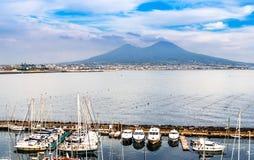 那不勒斯鸟瞰图和维苏威火山 免版税库存图片