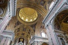 那不勒斯,意大利, 12月02,2017 :在Gesu N上的美好的天花板 库存照片