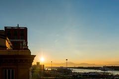那不勒斯,意大利- 2016年1月16日:老镇街道视图Na的 免版税库存照片