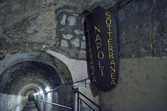 那不勒斯,意大利- 6月01 :那不勒斯古老地下画廊在那不勒斯, 2016年6月01日的意大利 免版税图库摄影