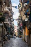 那不勒斯/意大利- 2017年11月30日:充分城市街道人我 图库摄影