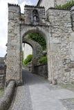 那导致城堡地面的门 库存照片