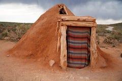 那瓦伙族人当地印第安房子 免版税库存照片