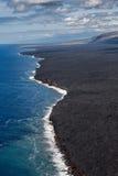 那里熔岩遇见了海洋 库存照片