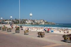 邦迪滩海滩和人群 图库摄影