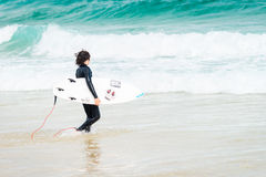 邦迪滩的冲浪者 图库摄影