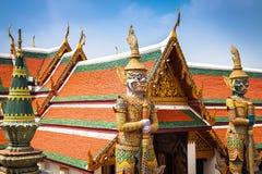 邪魔监护人在曼谷玉佛寺盛大宫殿曼谷 免版税图库摄影