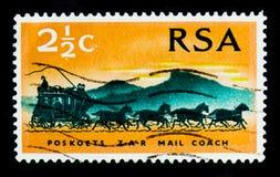 邮件马车从1869, 100年川斯瓦共和国serie的邮票,大约1969年 免版税库存照片