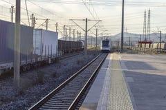 郊区火车开放透视射击在火车站的 库存图片