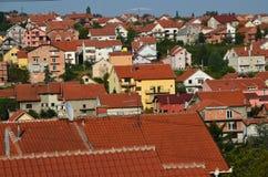 郊区的屋顶 免版税库存照片