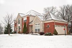 郊区砖家庭的邻里 免版税图库摄影