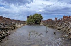 部份看法:钢被去壳的船击毁,加登岛船` s Grav 图库摄影