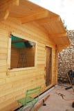 部分地木被营造的小屋 免版税库存照片