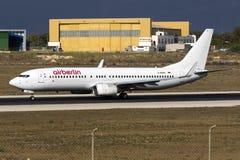 部分地被绘的柏林航空737 免版税库存照片