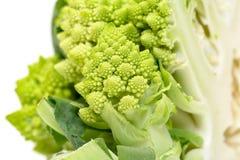 部分绿色新鲜的罗马式花椰菜 库存图片