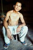部族村庄院长在他的家 免版税图库摄影
