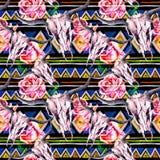 部族样式-动物头骨 与时髦部族设计的无缝的背景 水彩 图库摄影