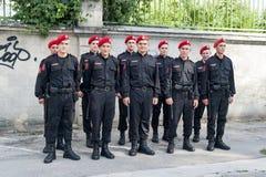 部署的年轻摩尔多瓦的carabinieri 库存照片