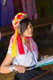 部落卡扬Padaung,缅甸的女孩 免版税库存图片