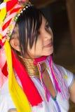 部落卡扬Padaung,缅甸的女孩 免版税图库摄影