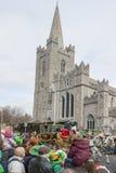 都伯林,爱尔兰- 3月17 :圣帕特里克节游行在都伯林 免版税库存照片