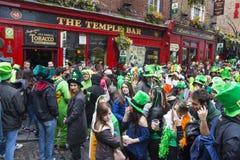 都伯林,爱尔兰- 3月17 :圣帕特里克节游行在都伯林 免版税图库摄影