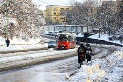 都市交通在冬天-匈牙利 免版税图库摄影