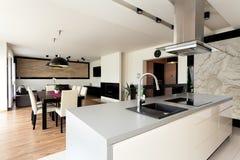都市公寓-典雅的内部 免版税库存照片