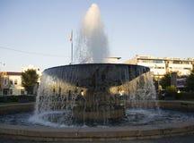 都市圆的喷泉 免版税库存图片
