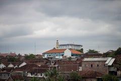 都市在jogja拍的城市恶劣的大厦照片印度尼西亚 免版税库存图片
