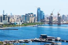 都市地平线巴库风景风景与许多现代摩天大楼的 巴库是阿塞拜疆资本和大城市 图库摄影