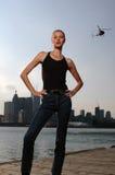 都市女孩的直升机 免版税库存照片