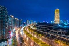 都市晚上的场面 图库摄影