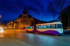 都市晚上的场面 免版税库存照片