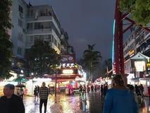 都市正方形在桂林市在春天夜 免版税库存图片