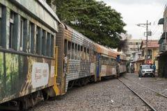 都市火车在圣何塞哥斯达黎加 免版税库存图片