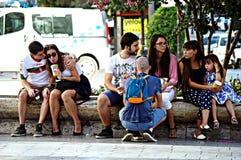 都市生活:青年人室外3 免版税库存照片