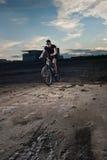 都市的骑自行车的人 库存图片