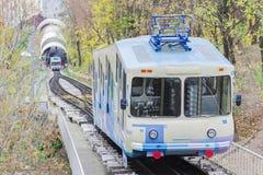 都市缆索铁路在基辅,乌克兰–普遍的公共交通工具 库存照片